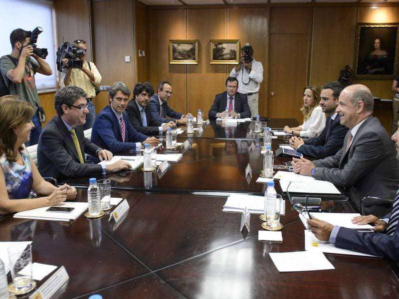 Canarias y Estado acuerdan un intenso calendario para consensuar el REF económico