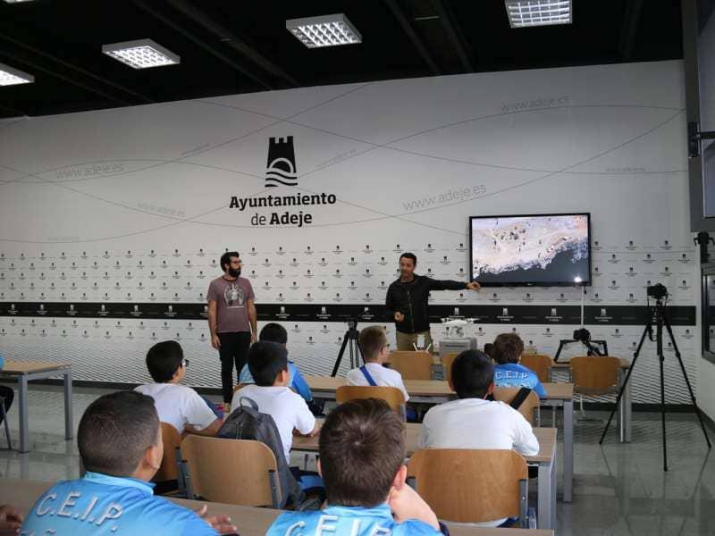 Onda TenerifeEl alumnado del CEIP de Fañabé protagoniza un curso que une lenguaje y radiodifusión