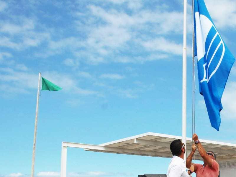 Las banderas azules ondean en las playas de Costa Adeje