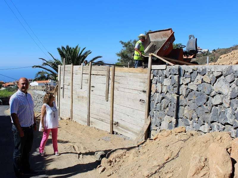 Granadilla procede a la mejora de la calle Canales Alta de Cruz de Tea