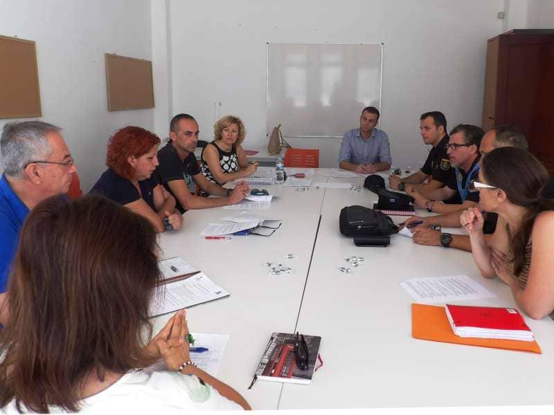 Ayuntamiento, IES y cuerpos y fuerzas de seguridad contra la venta de drogas en Arona