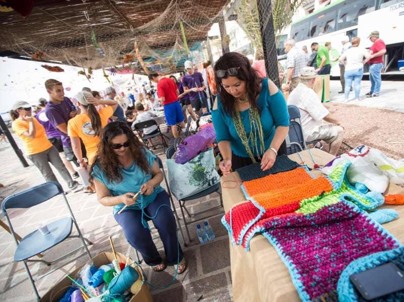El reciclaje de materiales textiles, protagonistas del Día de Tejer en Público