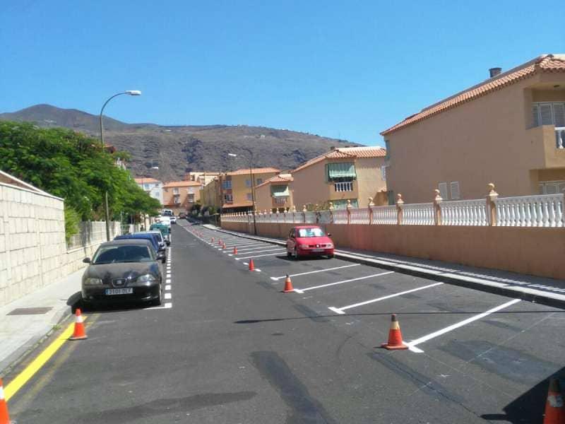 Obras y Servicios crea 30 aparcamientos más en la Calle Araca
