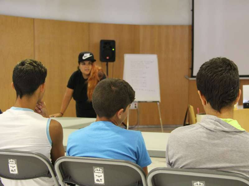 Guía de Isora inicia un proyecto de apoyo social dirigido a menores