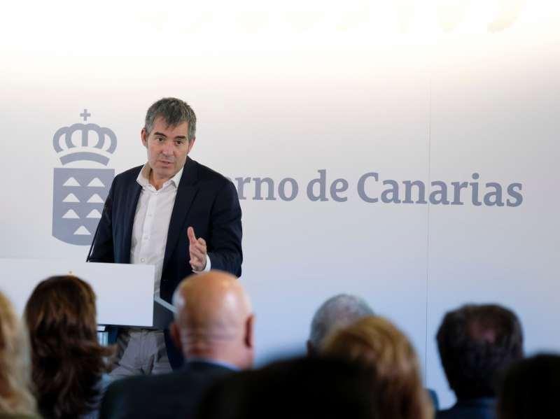 """Onda TenerifeFernando Clavijo reclama que """"Europa mire de frente"""" a las RUP y mejore su encaje social y económico"""