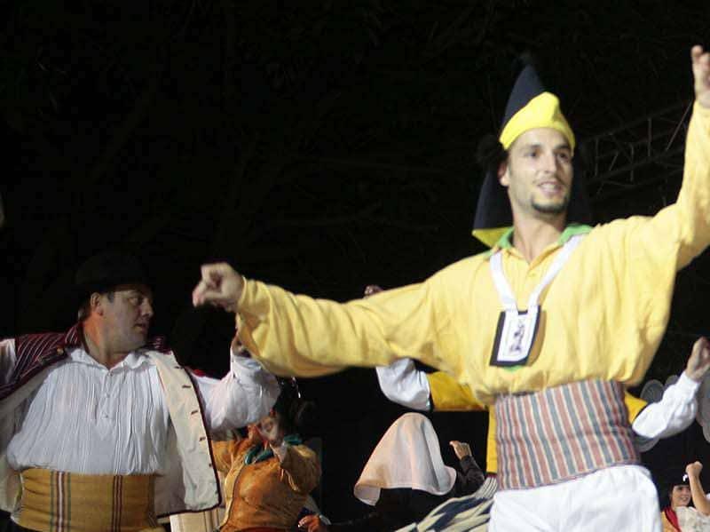 El folclore internacional se despide hasta el próximo verano
