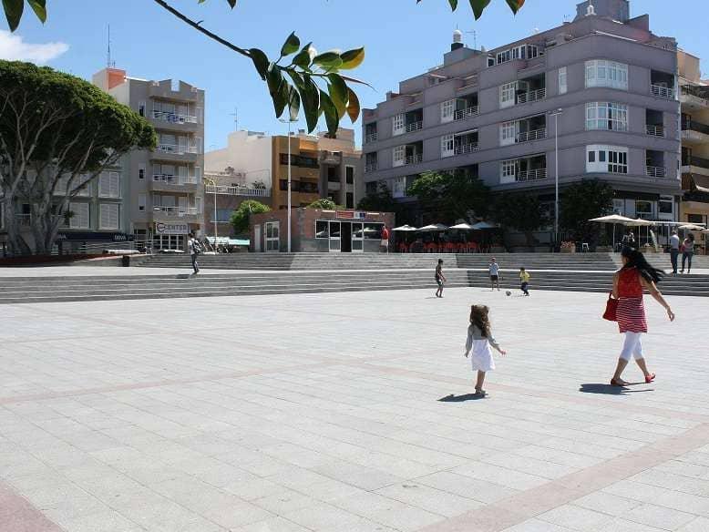 La plaza de El Médano acoge este domingo la 'Feria de la Diversidad'