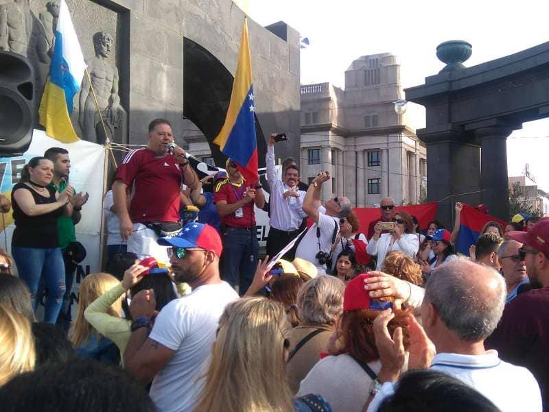 Los venezolanos en Tenerife gritan por la libertad de su país
