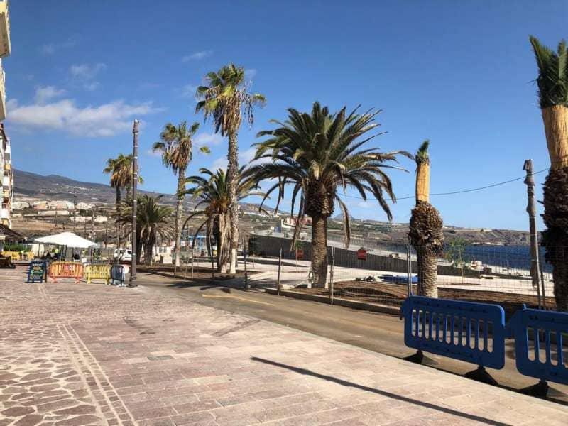 Cabildo, Ayuntamiento y empresarios concretan la finalización de las obras de Playa San Juan