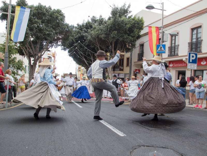 Onda TenerifeAlrededor de 5.000 personas se dan cita en la Romería de Adeje