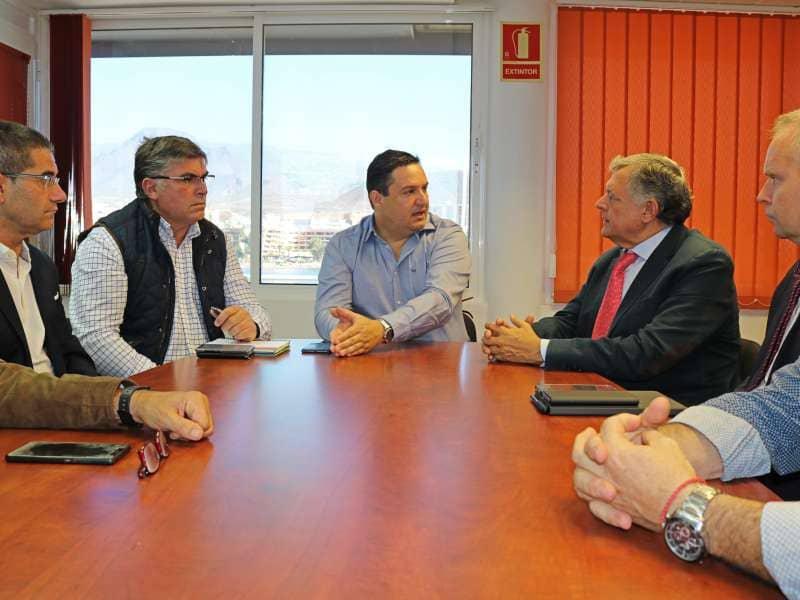 Arona plantea soluciones al impacto del puerto sobre la movilidad de Los Cristianos